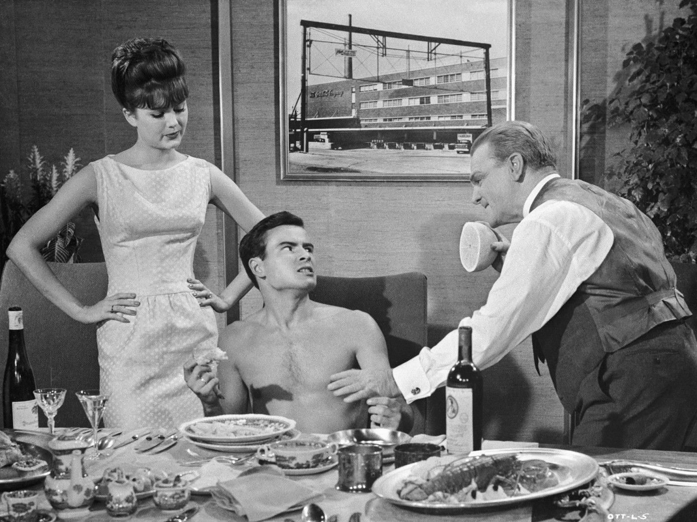 Risultati immagini per uno, due, tre! film 1961
